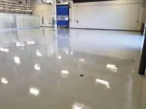 shiny-epoxy-warehouse-flooring