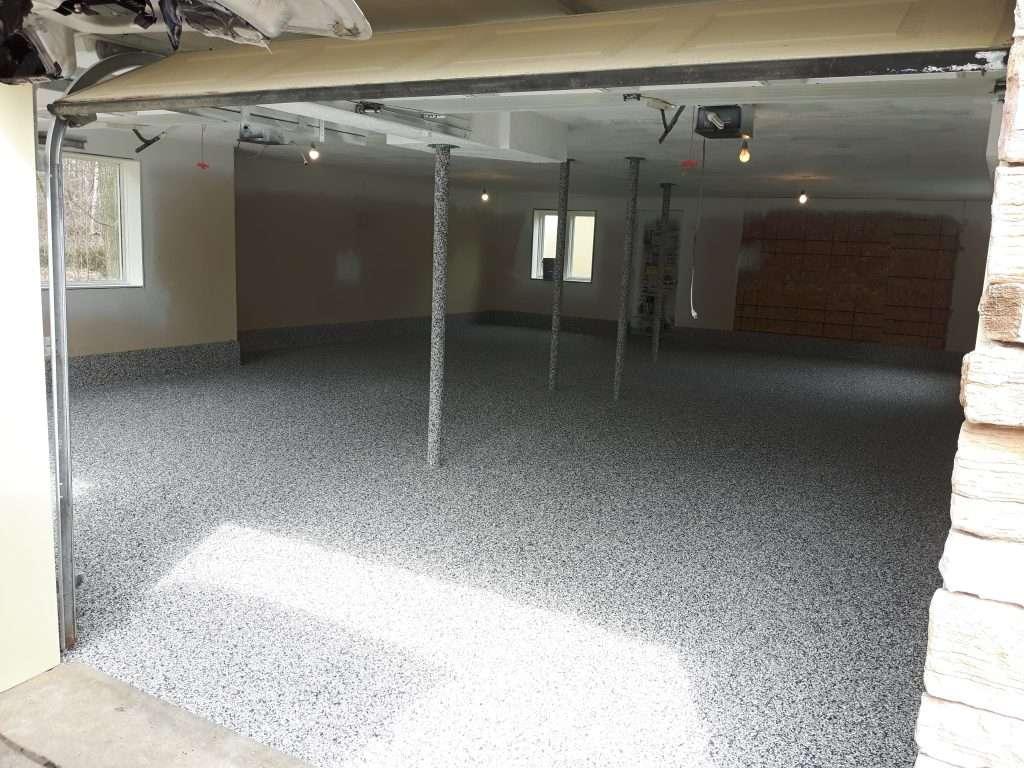 flaky-warehouse-epoxy-flooring